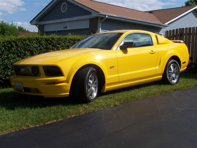 2006 yellow mustang gt