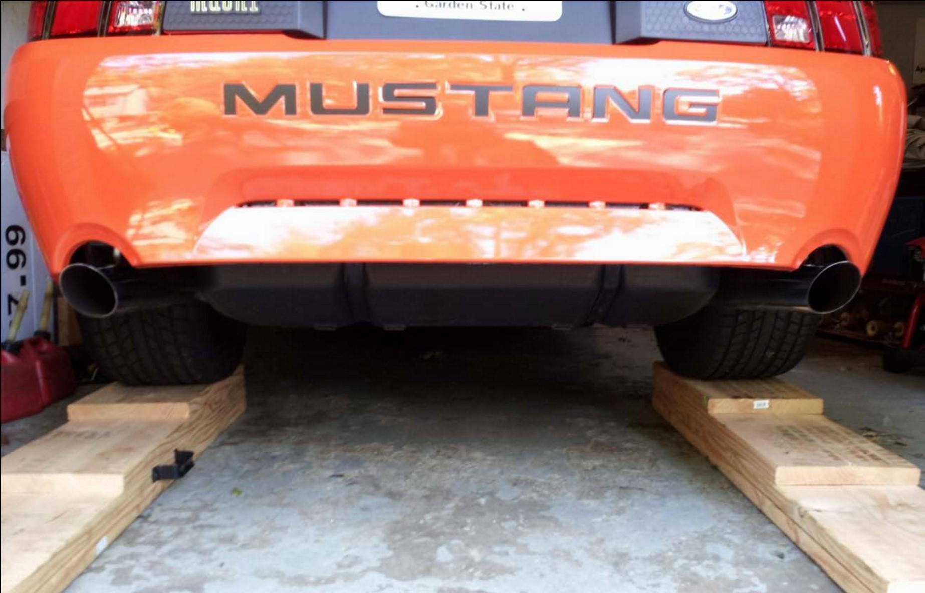 Aluminum One Piece Driveshaft - 31 Spline (96-04 GT, Mach 1; 96-98 Cobra) Install 1