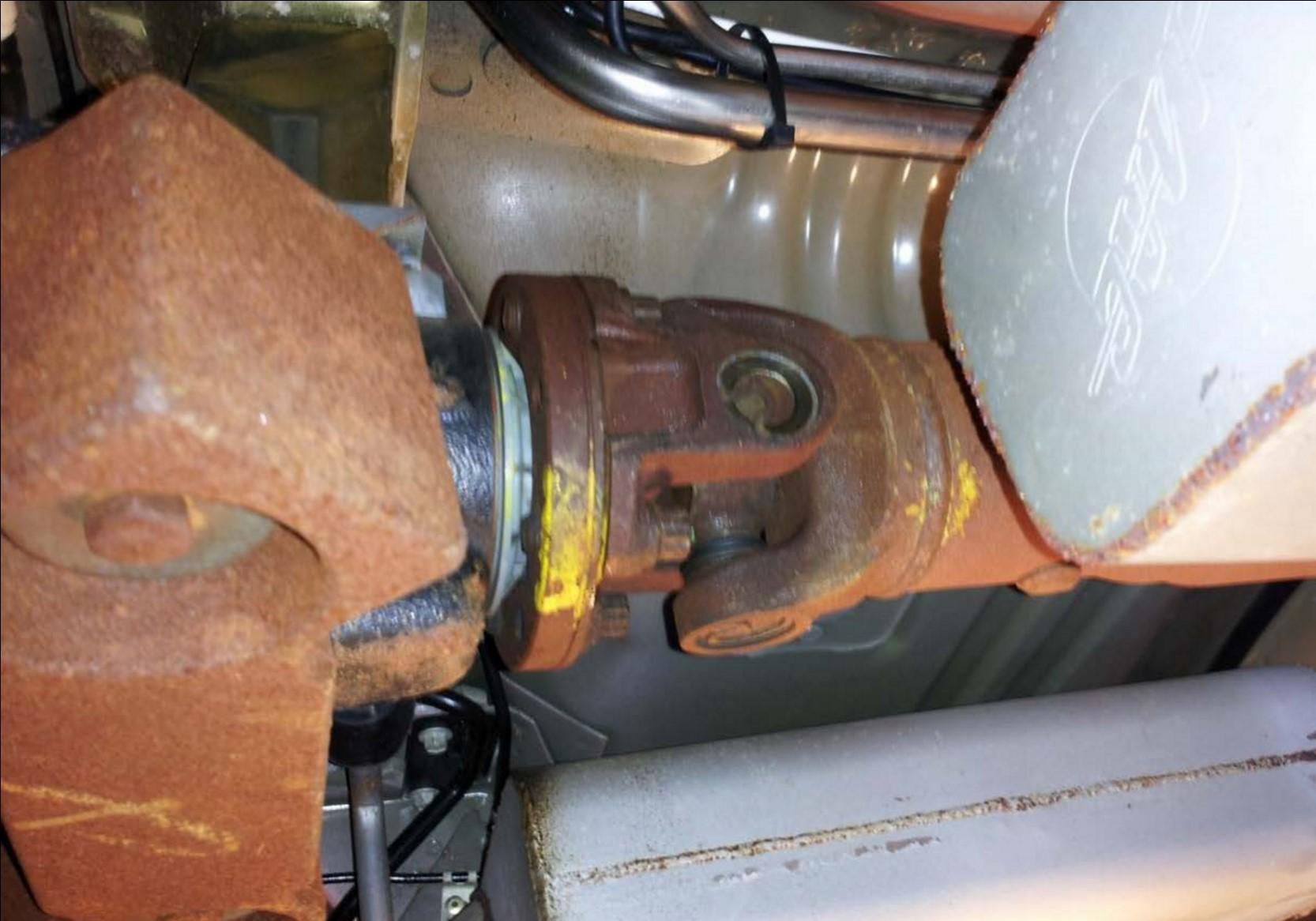 Aluminum One Piece Driveshaft - 31 Spline (96-04 GT, Mach 1; 96-98 Cobra) Install 2