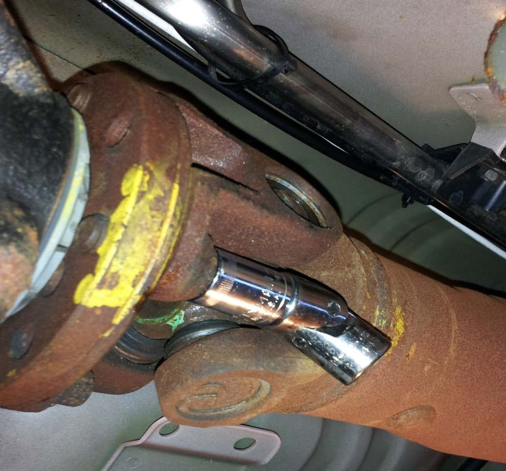 Aluminum One Piece Driveshaft - 31 Spline (96-04 GT, Mach 1; 96-98 Cobra) Install 3