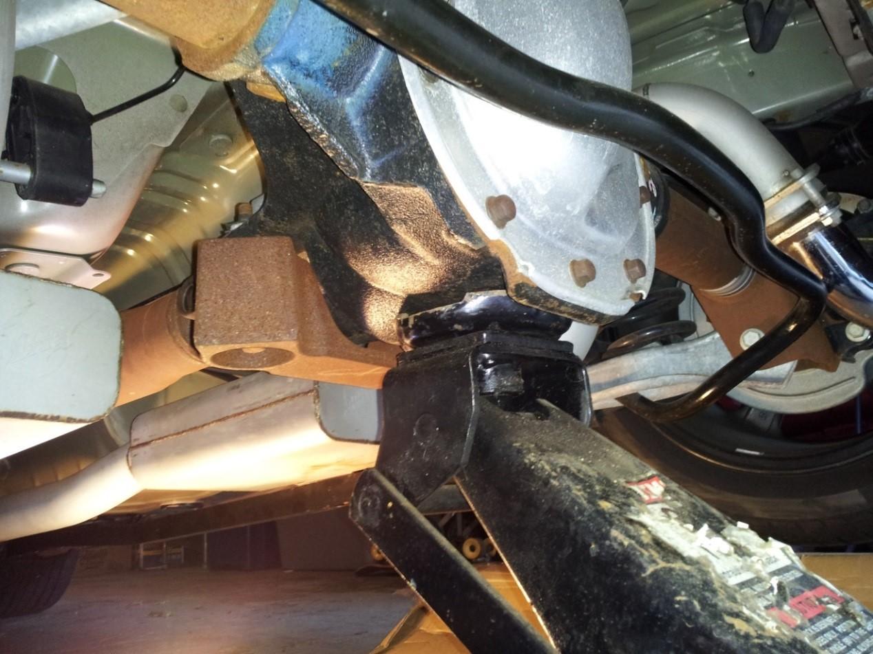 Aluminum One Piece Driveshaft - 31 Spline (96-04 GT, Mach 1; 96-98 Cobra) Install 4