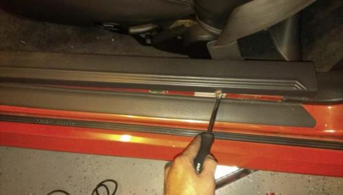 Auto Meter Cobalt Boost/Vacuum Gauge Install 6