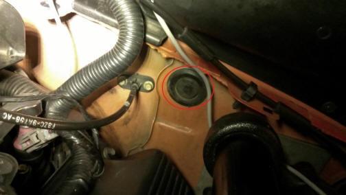 Auto Meter Cobalt Boost/Vacuum Gauge Install 9