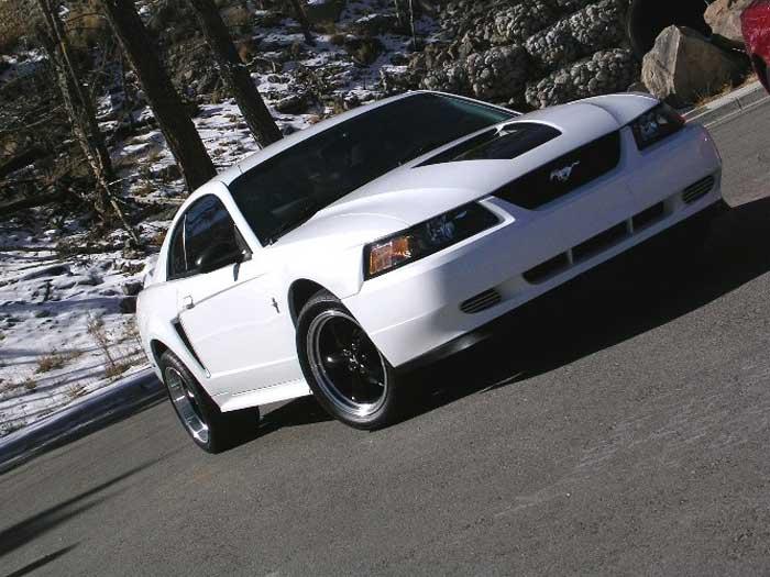 2000 White Mustang V6