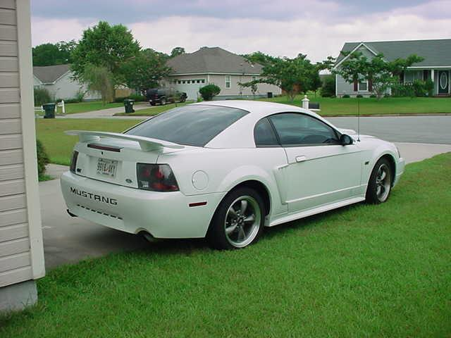 2001 White Mustang GT