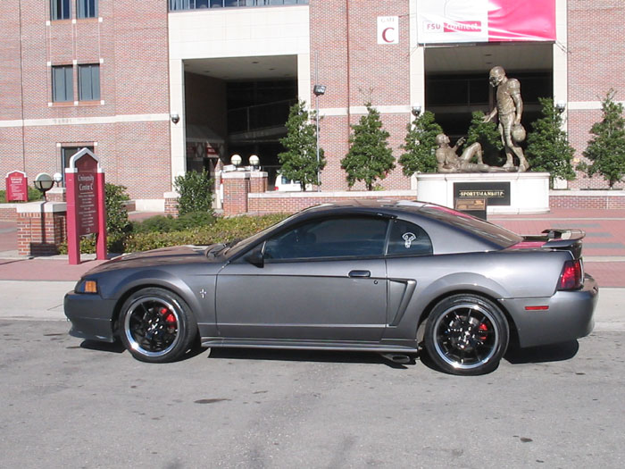 "2003 Black Mustang 18"" FR500 Wheels"