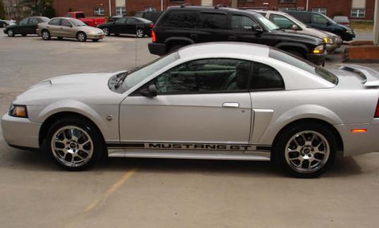 2004 Silver Metallic Mustang GT 2
