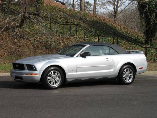 2005 Silver Mustang