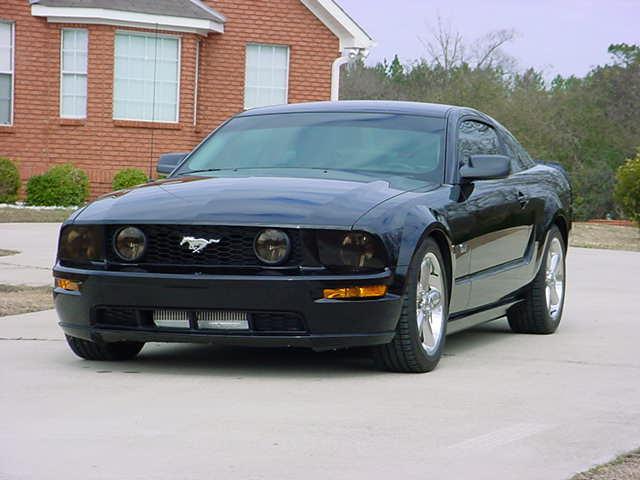 2005 Black Mustang