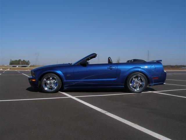 2006 blue mustang