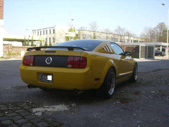2006 Screaming Yellow Mustang V6 2