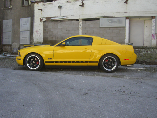 2006 Screaming Yellow Mustang V6 3