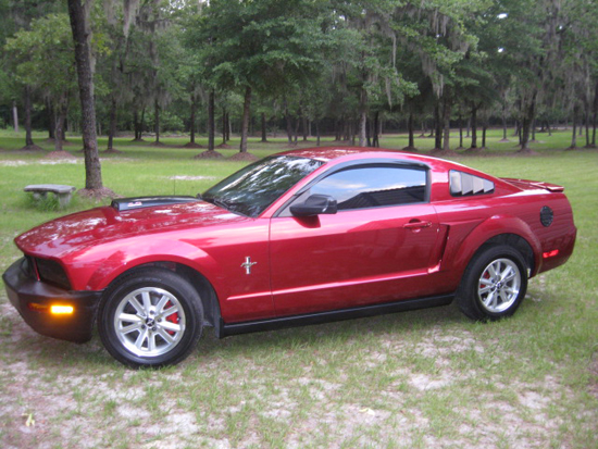 2007 Candy Apple Red Mustang V6 1
