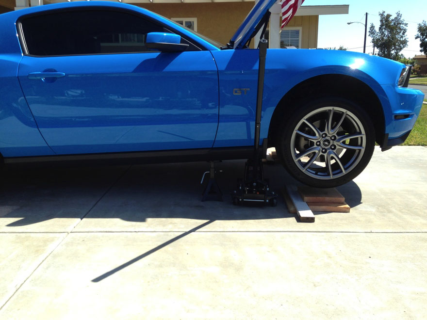how to instal a bbk off road x pipe for your 2005 2010 gt mustang americanmuscle. Black Bedroom Furniture Sets. Home Design Ideas