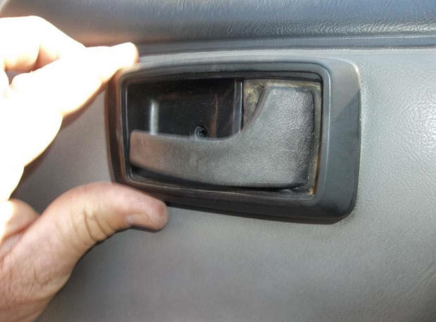 Power-Mirror--RH-Coupe-Hatchback-(87-93 All)-Install-94437-4
