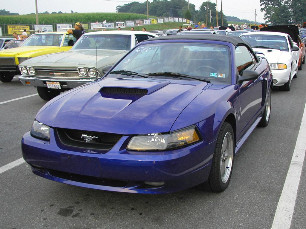 Gin Yum's Sonic Blue 2002 Mustang GT Convertible