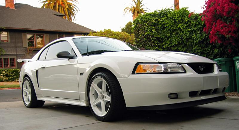 2000 Pearl White Ford Mustang GT