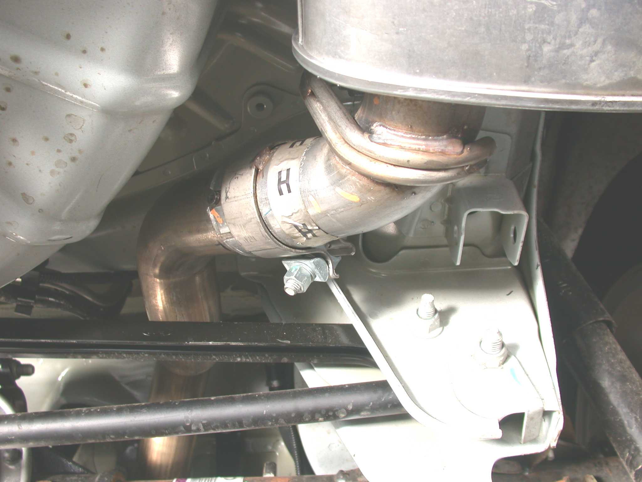How to Install a Borla Axle-Back Exhaust on a 2005-2009 Mustang V6 04