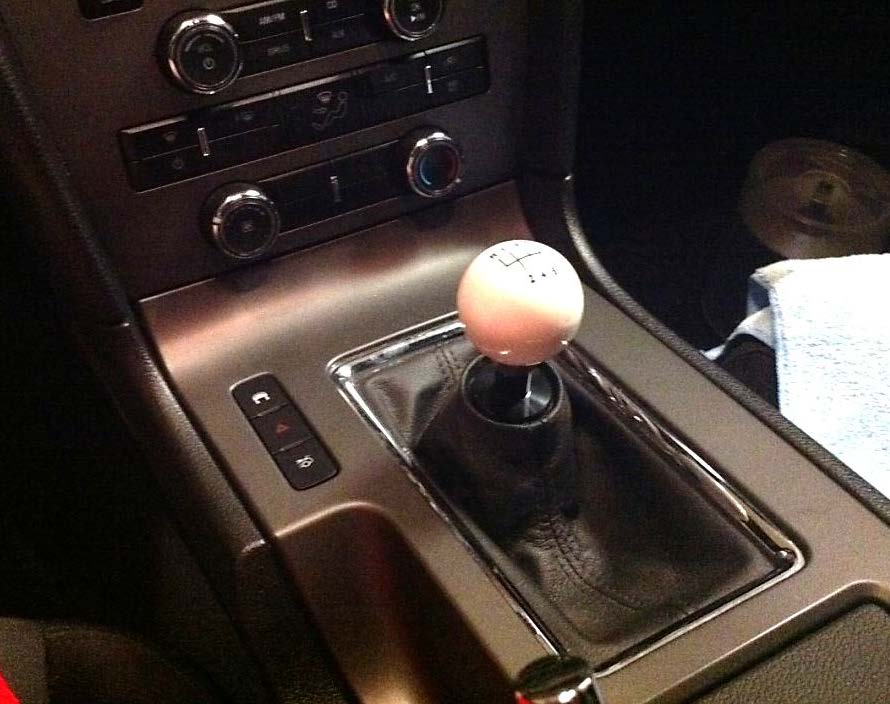 retro-style-6-speed-shift-knob-white-11-13-all