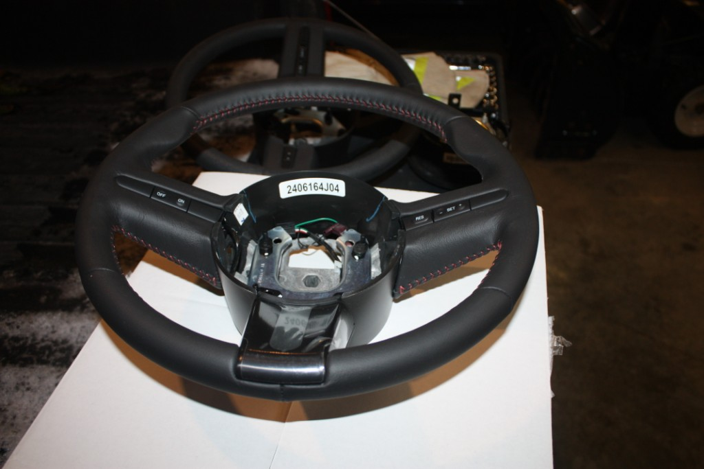 ford-racing-gt500-steering-wheel-05-09-all