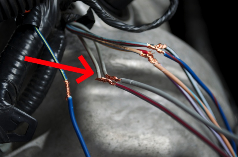 how to install iat relocation kit on your 2005 2010 mustang slip on the two pieces of heat shrink to each wire once you splice them together note that is does not matter which black wire goes to which grey red or