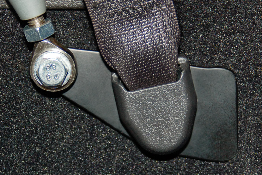 corbeau-seat-belt-harness-bar-coupe-05-12-all